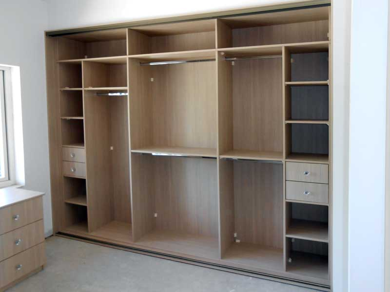 Superior wardrobes traditional walk in and sliding for Interior designs for wardrobes